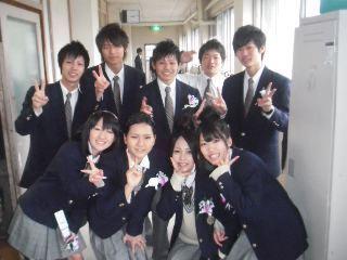 登美丘高等学校制服画像